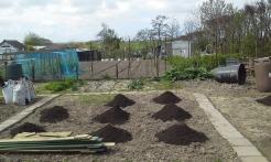 Compost toevoegen moestuinhippie
