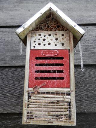 Insectenhotel moestuin
